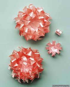 Ribbon Reinvented: Store-Bought Bows via Martha Stewart Christmas Gift List, Christmas Gifts For Friends, Christmas Bows, Homemade Christmas Gifts, Christmas Gift Wrapping, Christmas Packages, Holiday Gifts, Gift Bows, Gift Wrapping