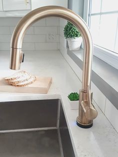 Delta Gold Kitchen Faucet Super Chic And Functional