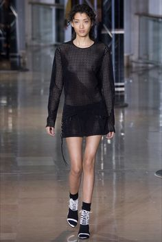 Anthony Vaccarello Parigi - Collections Fall Winter 2016-17 - Shows - Vogue.it