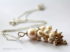 sophisticated pendant made of freshwater Pearls and Swarovski Crystal Pearls