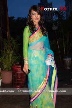 surbhi jyoti in zee gold awards :)