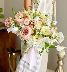 "IDYLLIC Events on Instagram: ""La mulți ani, draga Maria! . . . #idyllic #idyllicevents #untamedflorals #flowerdesign #weddingdesign #idyllicexperience #flowermagic…"" Flower Designs, Wedding Designs, Bouquets, Floral Wreath, Events, Wreaths, Table Decorations, Flowers, Instagram"