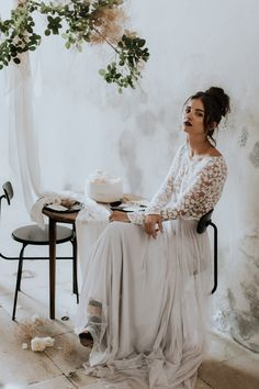 Buttercreme Torte mit Zitrone – KITCHEN STORY Kitchen Stories, Lace Wedding, Wedding Dresses, Food Styling, Photography, Style, Fashion, Lemon, Wedding Dress Lace