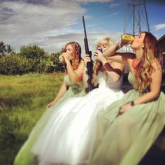 I want a picture like this taken at my wedding with my girls @Celie Beardain Beardain Beardain Beardain Cooper @Myka Hale Hale Hale Hale LeMoine