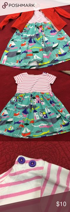 Mini Boden girl's dress in EUC. Size 3-4 Y. Mini Boden dress with pockets. Buttons on sleeve are purple. This dress is in EUC. Super cute and great for the little girl who loves to wear dresses but play at the same time! Size 3-4 Y. Mini Boden Dresses Casual