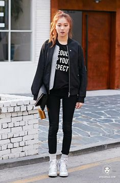 Want this jacket! Korean Street Fashion, Korea Fashion, Lee Sung Kyung Fashion, Casual Outfits, Fashion Outfits, Jolie Photo, Korean Actresses, Korean Celebrities, Swagg
