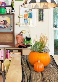 Family oriented. Natural Halloween decor