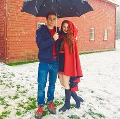 It's the real life Archie Andrews and Cheryl Blossom! CW premieres Riverdale in January!