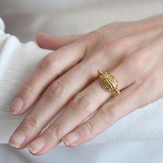 TIFFANY & Co. Vintage 18kt Gold Scarab Flip Ring