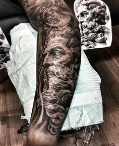 Tatouage homme bras et tatouage avant-bras en 50 idées flambant neuves Arm and forearm tattoo in 50 unusual ideas to make you stand out! Tattoos Arm Mann, Forarm Tattoos, Forearm Sleeve Tattoos, Full Sleeve Tattoos, Tattoo Sleeve Designs, Arm Tattoos For Guys, Leg Tattoos, Zeus Tattoo, Poseidon Tattoo