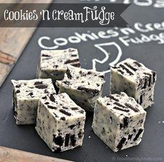 Cookies n Cream Fudge, Italian lemon drop cookies, & brown sugar cookies Fudge Recipes, Candy Recipes, Sweet Recipes, Holiday Recipes, Dessert Recipes, Yummy Treats, Delicious Desserts, Easy Desserts, Sweet Treats