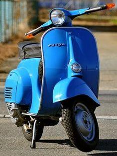 ● Piaggio Vespa, Scooter Motorcycle, Vespa Lambretta, Motor Scooters, Vespa Scooters, Foto Vespa, Vespa Smallframe, Italian Scooter, Best Scooter
