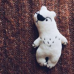 Умка-брошка — Tildamaniaki handmade игрушки @ LMBD