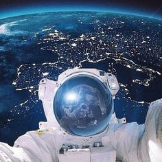 Just let me take a selfie #randomradness #shockmansion #Padgram