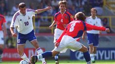 France 2 Czech Rep 1 in 2000 in Bruges. Zinedine Zidane gives Karel Poborsky the slip in Group D at Euro 2000.
