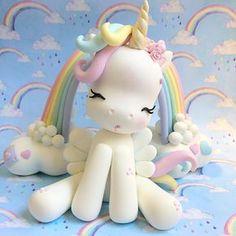 ...porque eu sou fofa... Obrigada pelo carinho! Agenda disponível meados de janeiro 2018 . . . . . . . #unicornio #unicornios #festaunicornio #unicornparty #unicorn #coldporcelain #porcelanafria #biscuit #topodebolo #topodebolopersonalozado #robertafurucho #decoracaodefesta