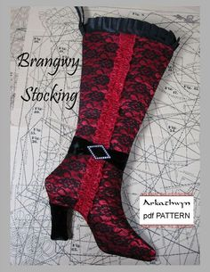 4961bf0709 Free Pattern for a Classic Christmas Stocking. Christmas Holidays,  Christmas Crafts, Christmas Sewing