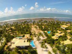 Casa em condomínio de alto padrão com linda vista mar à venda em Praia do Forte, Bahia, Brasil.  Veja mais imóveis em Praia do Forte aqui agora -  http://www.imoveisbrasilbahia.com.br/praia-do-forte-imobiliaria
