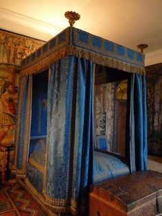 The Blue Bedroom at Hardwick Hall. Due to the bed long gone which was embroidered in silver, gold and pearls. Probably dating back to the time of the marriage of Bess and William Cavendish. Blue Rooms, Blue Bedroom, Dream Bedroom, Bedroom Decor, Design Bedroom, Bedroom Bed, Bed Room, Delft, Estilo Harry Potter