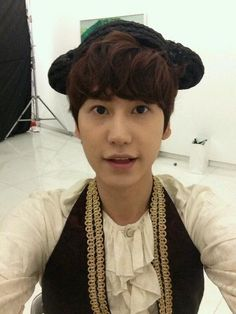 SKT World Twitter Session with Kyuhyun