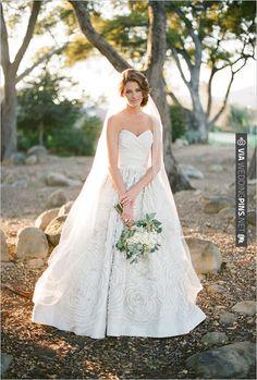 Amsale wedding gown   CHECK OUT MORE IDEAS AT WEDDINGPINS.NET   #weddingfashion