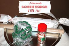 Homemade Christmas Gift: Cookie Dough Gift Set | The Happy Housewife