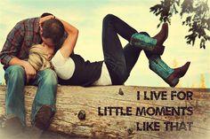 Brad Paisley Little Moments <3