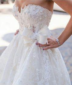 👏👏👏 Via: @wedding_dresses #noivasonhante #vestido #vestidos #vestidodenoiva #vestidosdenoiva #noiva #noivas #noivalinda #voucasar #meudia #linda #amor #felicidade #diafeliz #detalhes #casamento #meucasamento #casar #casei #casamentos #prontaparaosim #entradadanoiva #weddingday #wedding #weddings #weddingdress #evedeso #eventdesignsource - posted by Noiva Sonhante https://www.instagram.com/noivasonhante. See more Wedding Designs at http://Evedeso.com
