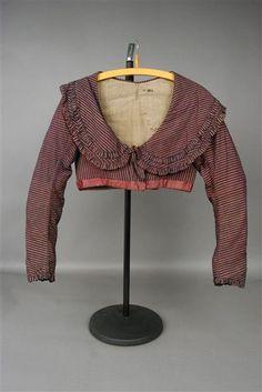 Staatliche Kinstammlungen Dresden Item B664 - Spencer: ca. early 1800's, cotton, linen, silk. unusual collar