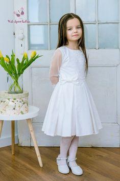 6d76ed49125716 Meisjes communie jurk met lange mouwen van tule met kant randje. Ook  geschikt voor de