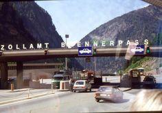 35mm Slide Zollamt Brennerpass Cars Toll Alps Austria Italy 1988