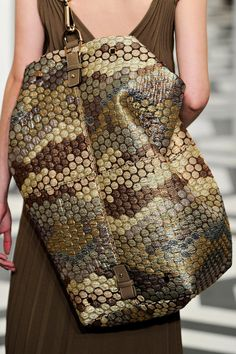 Victoria Beckham Fall 2011 RTW - Details - Fashion Week