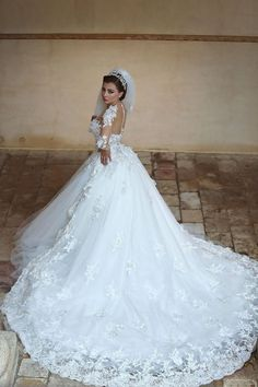 Beautiful White Tulle Ball Gown Wedding Dress Court Train Lace Plus Size Bridal Gowns