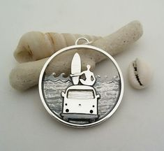 Woman surfing on her van waiting for the wave Silver necklace Ocean Jewelry, Mermaid Jewelry, Boho Jewelry, Surf Necklace, Skater Style, Ladies Dress Design, Everyday Outfits, Surfing, Vans