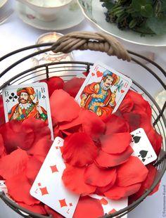 Alice im Wunderland Hochzeit - Alice in Wonderland Wedding Streublumen von im Hochzeitsfieber und Fotomania Kassel