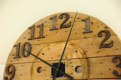 This giant clock made from an over sized cable spool is a fun eco project for a rustic home. Wooden Cable Spools, Wire Spool, Painted Furniture, Diy Furniture, Wall Clock Wooden, Wall Clocks, Bois Diy, Wooden Pallets, Pallet Wood