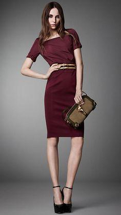 Burberry London Taffeta and Jersey Panel Dress Viernes Casual, Look Girl, Panel Dress, Business Dresses, Office Fashion, Dress To Impress, Casual Wear, Luxury Fashion, Women Wear
