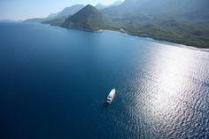 http://www.alquilerdeyates.net/2015/09/alquiler-de-barcos-en-ibiza_27.html