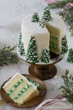 A delicious vanilla Christmas tree cake with creamy, dreamy vanilla buttercream, covered with beautiful Christmas trees that turn this cake into a winter wonderland. Christmas Tree Cake, Christmas Desserts, Christmas Treats, Christmas Baking, Christmas Fun, Christmas Cookies, Beautiful Christmas, Christmas Kitchen, Christmas Parties