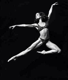 The perfect artist and athlete! Ballet Photos, Dance Photos, Dance Pictures, Julie Kent, Back In The 90s, Ballet Dancers, Fitness Pilates, Dance Fitness, Jazz