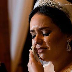 Denise  Casamento Denise e Rafael  http://ift.tt/1O9LVe0  #weddingphotography #weddingphotographer #casamento #bride #canon #clauamorim #claudiaamorim  #photooftheday #happiness #vestidodenoiva #fotodecasamento #fotografodecasamento #love #vestidadebranco #lapisdenoiva #yeswedding #bridetobride #bride2bride  #noivinhasdegoiania #casar #voucasar #noivas #noivasdobrasil #noivas2016 #inspirationphotographers #fineartassociation #fineartphotographers #noivas2017 #sentimentos #lagrimas