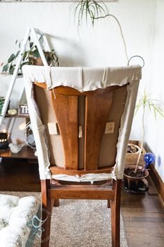 Upholstered Wood Dining Chairs stapling fabric to chair frame Reupholster Furniture, Furniture Upholstery, Plywood Furniture, Diy Furniture, Furniture Refinishing, Repurposed Furniture, Dining Chair Makeover, Furniture Makeover, Wooden Chair Makeover