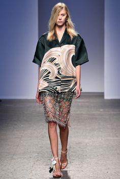 No. 21 Spring 2014 Ready-to-Wear Fashion Show - Juliana Schurig