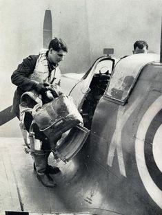 Spitfire : Supermarine Spitfire, Battle of Britain, 1940 Ww2 Aircraft, Fighter Aircraft, Military Aircraft, Spitfire Supermarine, Image Avion, Sud Aviation, Photo Avion, The Spitfires, Ww2 Planes