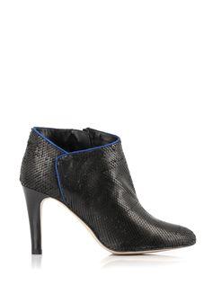 c64a9fb6efa666 8 images formidables de gift | Bronx shoes, Burgundy ankle boots et ...