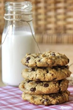 Cookies με ταχίνι, βρώμη και σοκολάτα / Chocolate chip tahini cookies Bakery Recipes, Sweets Recipes, Cookie Recipes, Cooking Art, Tahini, Easy Chocolate Pie, Greek Cookies, Fingerfood Baby, Cream Puff Recipe