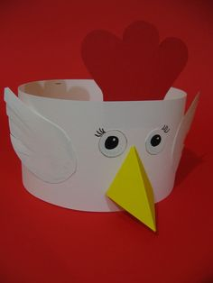 Be ready for the colorful headband crafts. Little one's will feel themselves fantastic while they were wearing this headband crafts. Crazy Hat Day, Crazy Hats, Farm Crafts, Easter Crafts, Toddler Crafts, Crafts For Kids, Rooster Craft, Chicken Hats, Headband Crafts