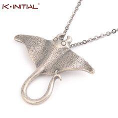 1pcs Realistic Sting Ray Sea Creature Animal Necklace Unique Ocean Stingray Manta Ray Sea Creature Pendant Charm Necklace Bijoux