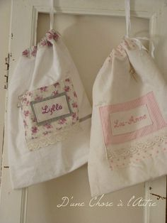 so sweet - little embroidered panels. Fabric Gifts, Fabric Bags, Porta Lingerie, Sachet Bags, Ballet Bag, Potli Bags, Cute Embroidery, Sewing Material, Goodie Bags