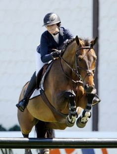 So jealous! I wish I could have done this when I was her age :( was and still is my dream. She is my hero- reed kessler